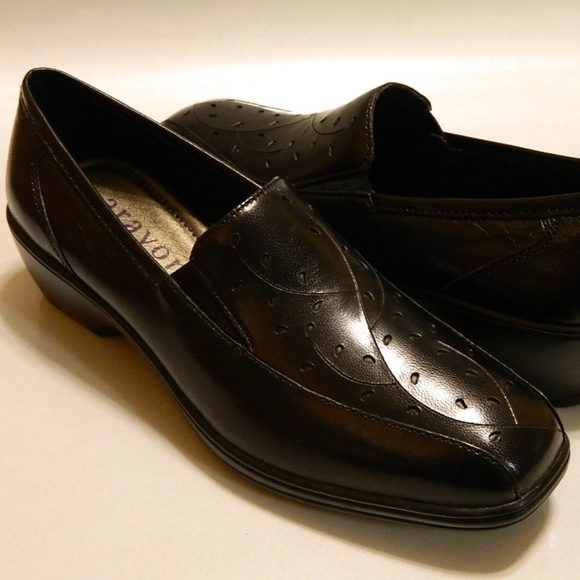 7a59bb51841 ARAVON Loafers Shoes Leather Black 8M NIB  130